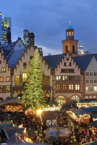 iPhone Wallpaper Christmas, houses, night, lights, people, market, Europe