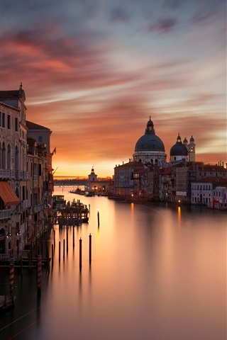 iPhone Wallpaper City, houses, Grand canal, evening, red sky, Venice, Italy