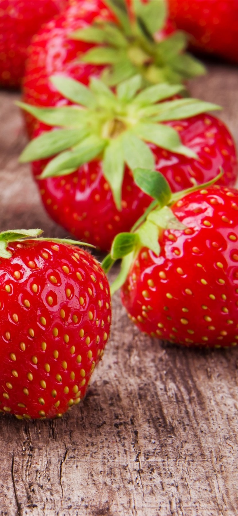 Wallpaper Fresh Strawberry Wooden Board 3840x2160 Uhd 4k