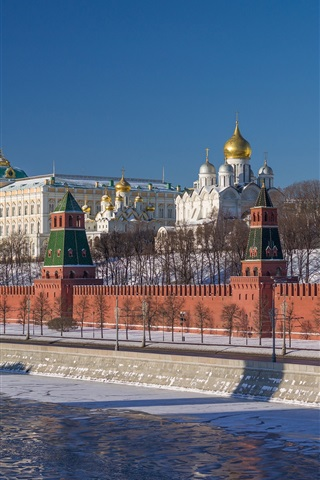 iPhone Wallpaper Russia, Moscow, Kremlin, cathedral, river, winter, snow, trees