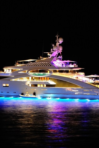 iPhone Wallpaper Superyacht at night