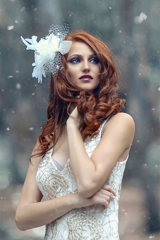 iPhone Wallpaper White dress girl in the winter, trees, snowflakes