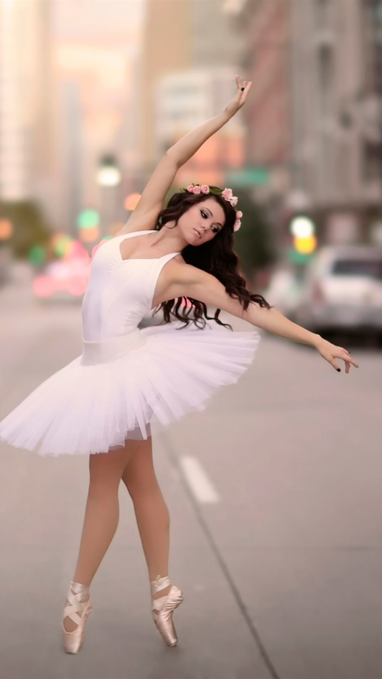 Wallpaper Ballerina Dancing At City Street 1920x1440 Hd Picture Image