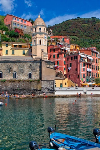 iPhone Wallpaper Italy, Cinque Terre, mountains, houses, bay, boats