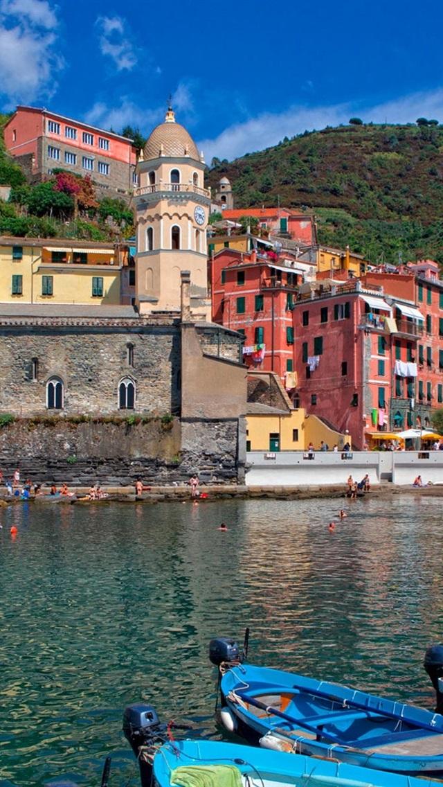 Fonds D Ecran Italie Cinque Terre Montagnes Maisons Baie Bateaux 640x1136 Iphone 5 5s 5c Se Image