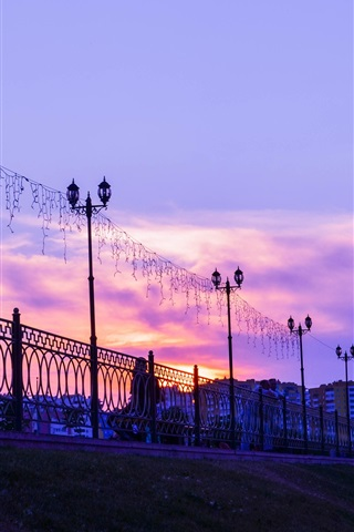 iPhone Wallpaper Penza, Russia city, sunset, lights, fence, clouds