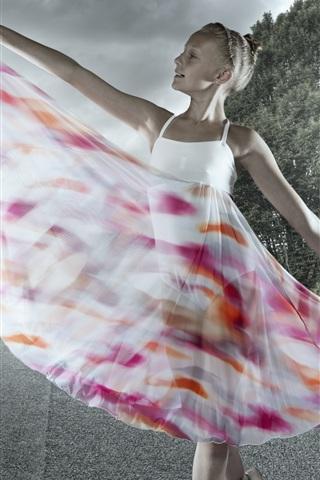 iPhone Wallpaper Cute girl, ballerina, beautiful skirt, road, trees