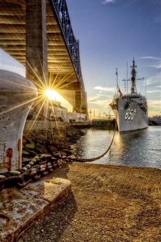 iPhone Wallpaper Dock, ships, city, river, bridge