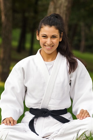 iPhone Wallpaper Karate, white clothes girl, smile, grass