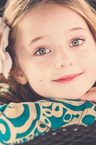 iPhone Wallpaper Lovely little girl smile