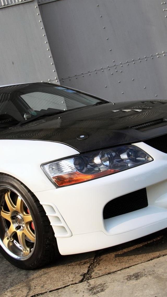Mitsubishi Lancer Evolution Car White And Black 640x1136