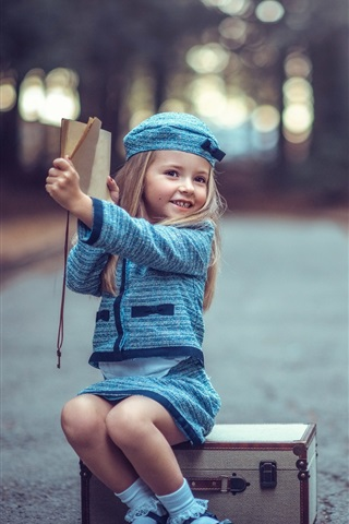 iPhone Wallpaper Youngest travelers, suitcase, cute blonde girl, child