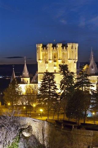 iPhone Wallpaper Alcazar Segovia, Spain, castle, lights, trees, dusk