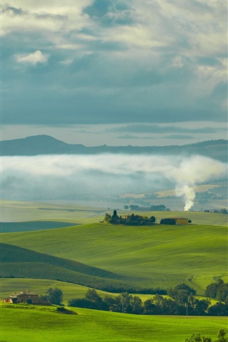 iPhone Wallpaper Travel to Tuscany, Italy, green fields, houses, trees, smoke, clouds