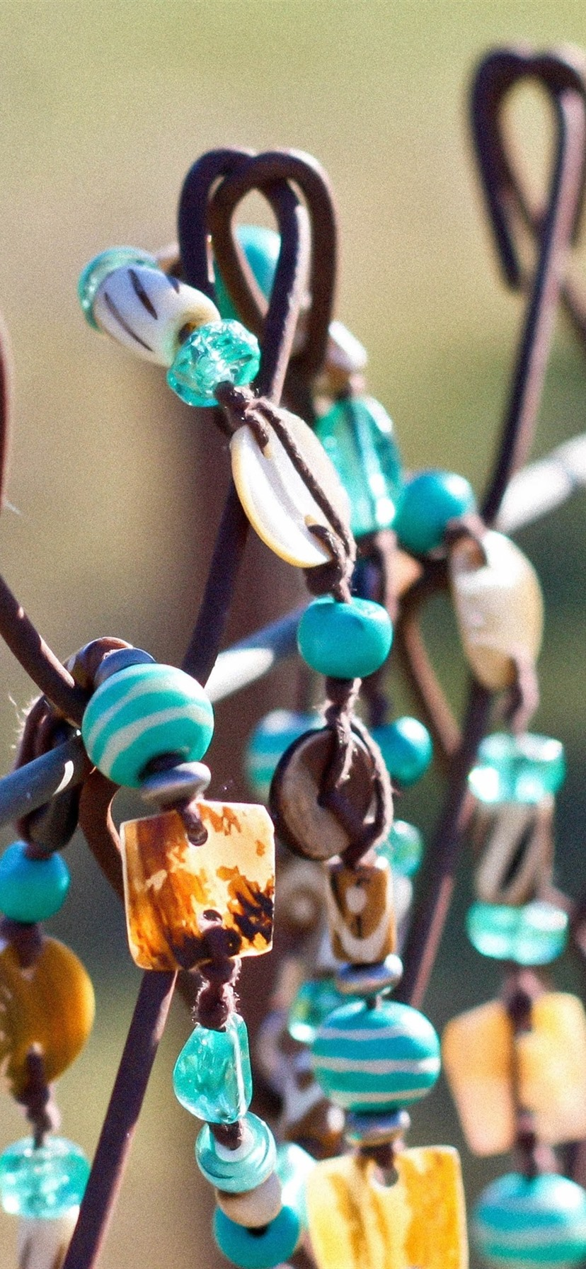 Wallpaper Jewelry On Fence 3840x2160 Uhd 4k Picture Image