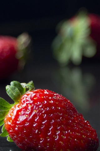 iPhone Wallpaper Ripe strawberries, juicy fruit