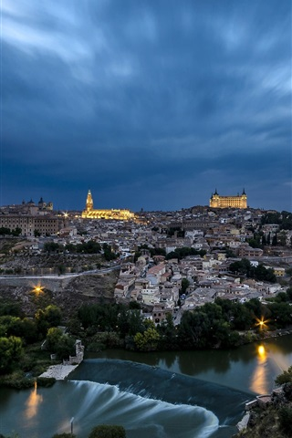 iPhone Wallpaper Toledo, Spain, city, dusk, river, houses, sky, clouds