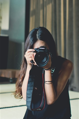 iPhone Wallpaper Asian girl use Canon camera