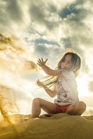 iPhone Wallpaper Child, girl, play sands, sun