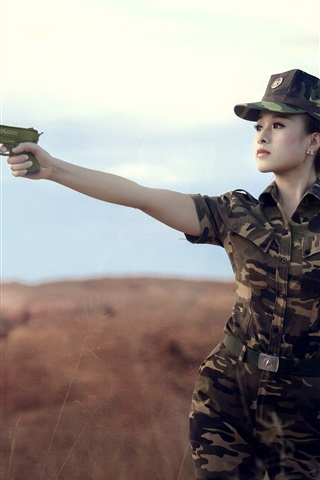 iPhone Wallpaper Female soldier, Asian girl, use gun, camouflage
