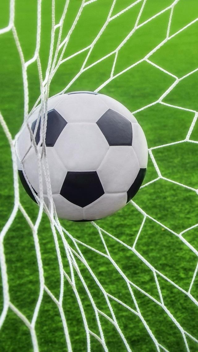 Fussball Schoss Ins Netz 640x1136 Iphone 5 5s 5c Se