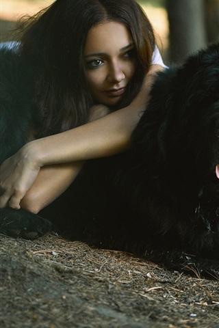 iPhone Обои Девушка и черная собака