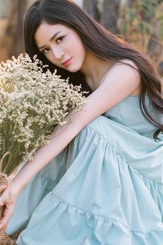 iPhone Wallpaper Asian girl, blue skirt, flowers