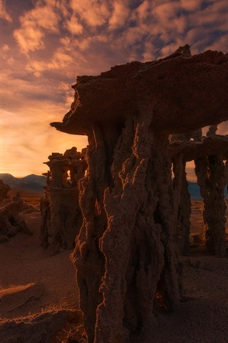 iPhone Wallpaper Calcareous towers, Mono lake, sunset, evening, California, USA