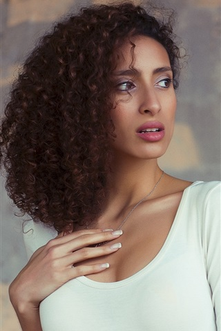 iPhone Wallpaper Curly hair girl, white clothing