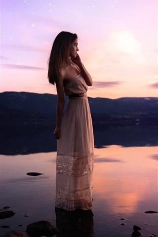 iPhone Wallpaper Girl standing at lakeside, water, sunset, stars