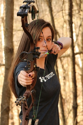 iPhone Wallpaper Girl use compound bow, archery, forest