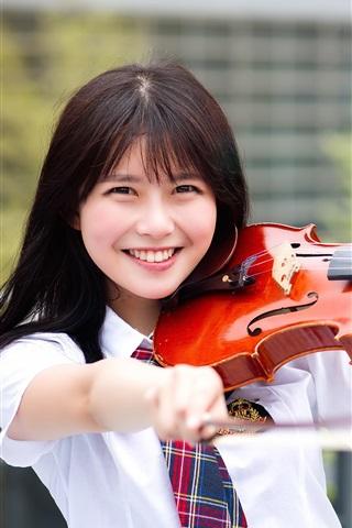 iPhone Wallpaper Happy Asian girl play violin