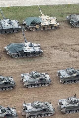 iPhone Wallpaper Many tanks, British Army