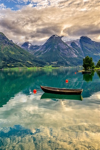 iPhone Wallpaper Norway, Oppstrynsvatn Lake, mountains, boats, house, water reflection