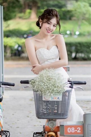 iPhone Wallpaper Smile Chinese girl, street, bikes