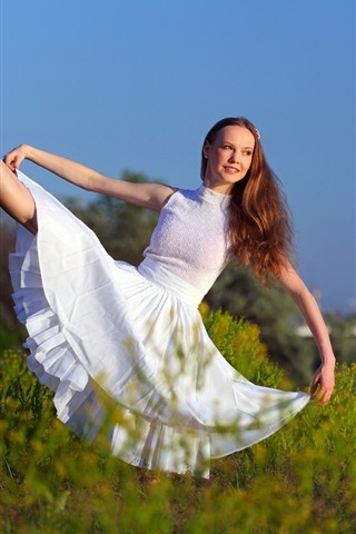 iPhone Wallpaper White skirt girl, pose, smile