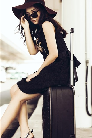 iPhone Wallpaper Asian girl, hat, sunglasses, suitcase, street