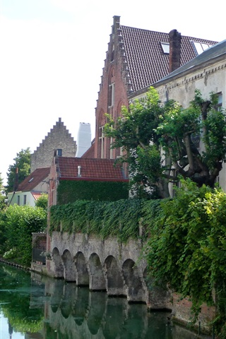 iPhone Wallpaper Belgium, Bruges, river, houses, bushes