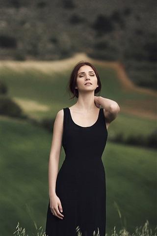 iPhone Wallpaper Black skirt girl, feeling the nature