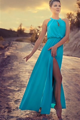 iPhone Wallpaper Blue skirt fashion girl dance