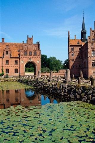 iPhone Wallpaper Egeskov Castle, Denmark