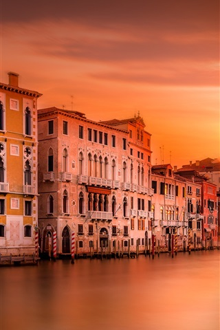iPhone Wallpaper Italy, Venice, cathedral, river, houses, evening