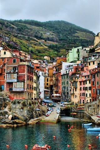 iPhone Wallpaper Cinque Terre, Italy, pier, boats, houses