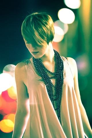 iPhone Wallpaper Fashion girl, night, street