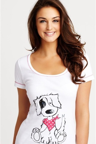 iPhone Wallpaper Smile girl, shirt, white background