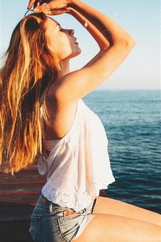 iPhone Wallpaper Summer girl, sea