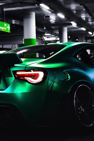 iPhone Wallpaper Toyota green supercar rear view, parking