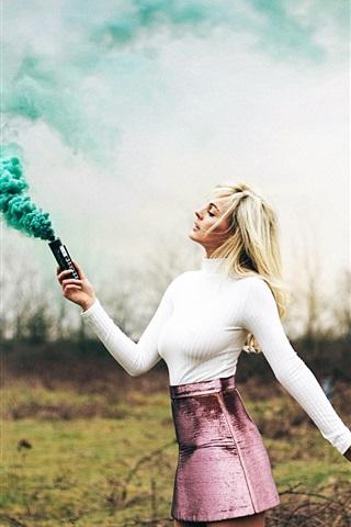 iPhone Wallpaper Blonde girl, green smoke