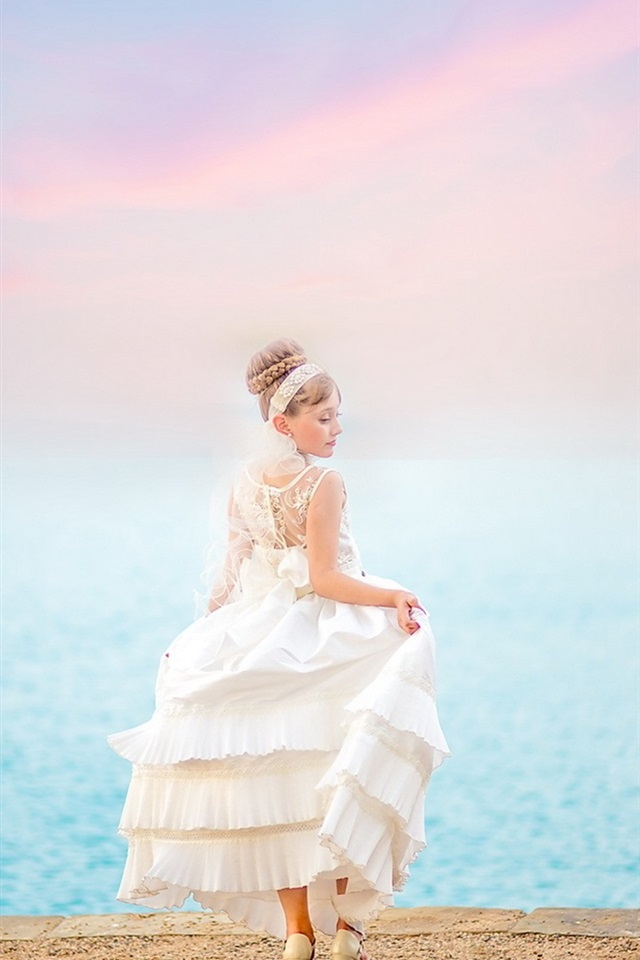 Bride Girl White Dress Back View Sea 640x1136 Iphone 5 5s 5c Se Wallpaper Background Picture Image