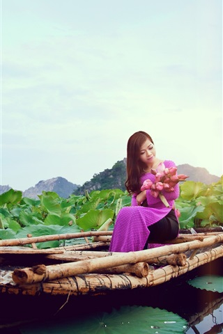 iPhone Wallpaper Chinese girl, purple dress, boat, lotus, lake